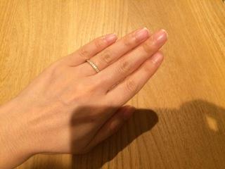 【ティファニー(Tiffany & Co.)の口コミ】 結婚指輪というとシルバーのイメージですが、私は肌馴染みのいいゴールド…