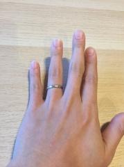 【JEWELRY  KAMATA(ジュエリーかまた)の口コミ】 シンプルな指輪を探していました。色々な指輪を見るなかでマットカラーの指…