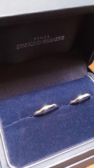 【銀座ダイヤモンドシライシの口コミ】 一貫してシンプルなデザインのもので探していました。最初はストレートの…