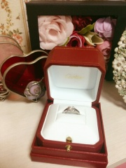 【カルティエ(Cartier)の口コミ】 常に着ける結婚指輪は憧れのブランドでという思いが強く、当初からカルティ…