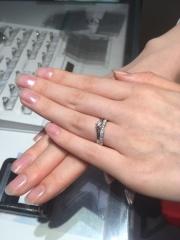 【銀座ダイヤモンドシライシの口コミ】 結婚指輪は以前から憧れのブランドがあり、そのイメージを伝えた上で結婚…