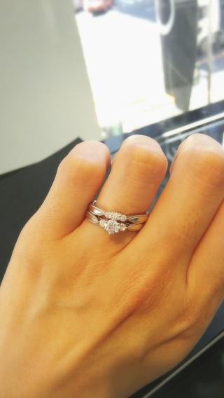 【エクセルコダイヤモンド(EXELCO DIAMOND)の口コミ】 ゼクシィで見かけて指輪探しを機に知ったブランドでしたが、デザインに一目…