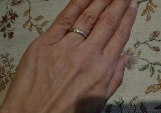 【スタージュエリー(STAR JEWELRY)の口コミ】 主人はシンプルな指輪が希望で、私はメレダイヤが入っているものが希望で…