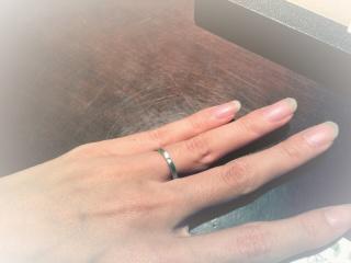 【ORECCHIO(オレッキオ)の口コミ】 ダイヤ入りの指輪は考えてなかったが、 スクエアの形と、リングに対しての…