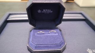 【ROYAL ASSCHER(ロイヤル・アッシャー)の口コミ】 ロイヤルアッシャーはダイヤモンドが有名なので、そのダイヤモンドを何個つ…
