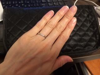 【4℃(ヨンドシー)の口コミ】 カーブとウェーブが美しく、指にはめるときとてもはめやすかったこと。カー…