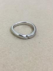 【俄(にわか)の口コミ】 結婚指輪を探し始めてすぐに「俄」の店舗をふたりで訪れました。店内で指…