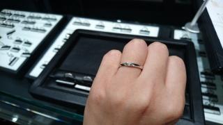 【ラザール ダイヤモンド(LAZARE DIAMOND)の口コミ】 婚約指輪は購入しないため、ダイヤが付いているプラチナリングを探していま…