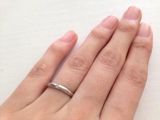 【カルティエ(Cartier)の口コミ】 指へのフィット感がほかの指輪よりも良かったので、購入を決めました。 結…