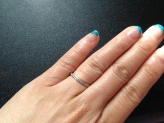 【LUCIE(ルシエ)の口コミ】 私の指は短かったので、ストレートの指輪をつけるとなおさら指が短く見えて…