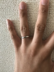 【エクセルコダイヤモンド(EXELCO DIAMOND)の口コミ】 ありきたりな形、雰囲気の指輪ではないものが良いという自分の希望があった…