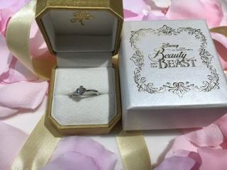 【CITIZEN Bridal(シチズンブライダル) / ディズニーシリーズの口コミ】 いくつか候補がある中で店員さんの紹介で、この指輪を教えてもらい、ディズ…