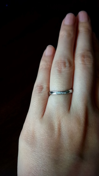 【JEWELRY  KAMATA(ジュエリーかまた)の口コミ】 エンゲージリングをこちらで購入したので、そのリングに重ねづけした時に…