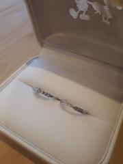 【サマンサティアラブライダル(Samantha Tiara Bridal)の口コミ】 婚約指輪が思っていた以上に素敵な仕上がりだったので、同じお店で買おう…