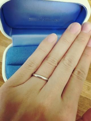【銀座ダイヤモンドシライシの口コミ】 常につける結婚指輪はなによりシンプルさを求めて探しました。 シンプルな…