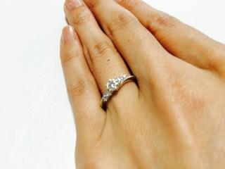 【Mariage(マリアージュ)の口コミ】 購入の決め手となったのは、ダイヤモンドの大きさと女性らしいデザインでし…