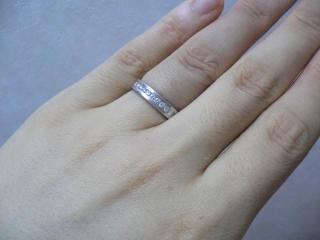 【EURO WEDDING BANDの口コミ】 シンプルだけどダイヤが付いている指輪を探していました。シンプルすぎる…