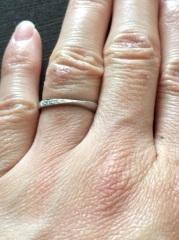 【銀座ダイヤモンドシライシの口コミ】 ダイヤの入り方が上品でオシャレだったからです。華やかではない場所、法事…
