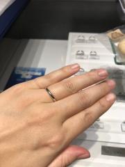 【銀座ダイヤモンドシライシの口コミ】 とにかくシンプルなものを…と希望があったのでシンプルなストレー…