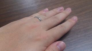 【ティファニー(Tiffany & Co.)の口コミ】 妻の婚約指輪をティファニーで購入することになったため、あわせてつけら…