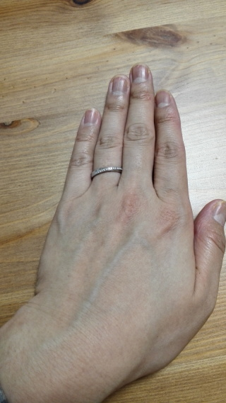 【ガラOKACHIMACHIの口コミ】 婚約指輪は購入しないため、ダイヤが入っているものを探していました。他…
