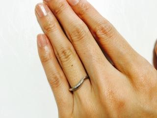 【LUCIE(ルシエ)の口コミ】 シンプルで女性らしい曲線のデザイン、さりげないダイヤモンドが気に入り即…