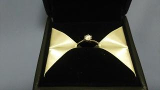 【エクセルコダイヤモンド(EXELCO DIAMOND)の口コミ】 いろいろ迷いましたが、主張しすぎない華奢でシンプルなデザインにひかれ、…
