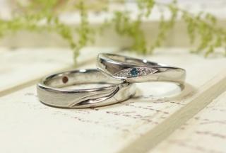 【ATELIER Hu・lala(アトリエ・ウララ)の口コミ】 指輪のデザインの好みがお互い合わなかった為、ペアにこだわらず同じブラ…