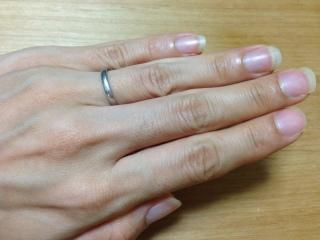 【4℃(ヨンドシー)の口コミ】 結婚指輪はずっと身に付けるものなので、あまり主張せず着けていることを忘…