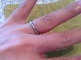 【4℃(ヨンドシー)の口コミ】 普段指輪をつける習慣がなかったので、つけていても違和感をなるべく感じ…