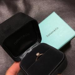 【ティファニー(Tiffany & Co.)の口コミ】 元々ティファニーに憧れていたのもありましたが、お店で見て即コレ!と決…