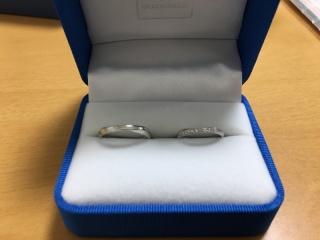 【ガラOKACHIMACHIの口コミ】 デザインと安さを優先して指輪を探した。ダイヤが付いていてペアでこの価格…