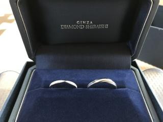 【銀座ダイヤモンドシライシの口コミ】 真ん中のキュッと締まってるのが リボンみたいで可愛くて ダイヤもたくさ…