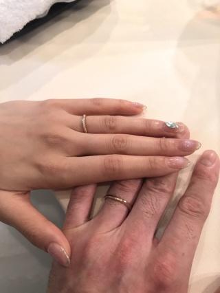【ENUOVE(イノーヴェ)の口コミ】 ピンクゴールドでダイヤが入ったデザインを考えていました。 どの角度から…