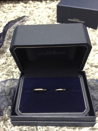 【銀座ダイヤモンドシライシの口コミ】 1番はシンプルなデザインとつけ心地が決めてです。Anolyuはリングの…