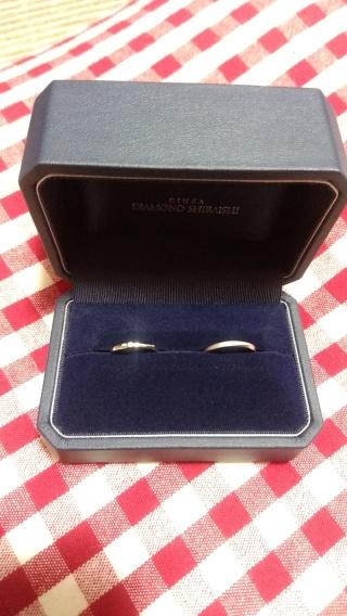 【銀座ダイヤモンドシライシの口コミ】 真っ直ぐではなくほんのりカーブしている指輪を探していました。デザイン…