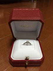 【カルティエ(Cartier)の口コミ】 シンプルで飽きのこないデザインの婚約指輪を探していました。1粒ダイアの…