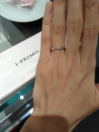 【アイプリモ(I-PRIMO)の口コミ】 私は、幅が太めの結婚指輪を探していました。日本のブランドの指輪は幅が狭…