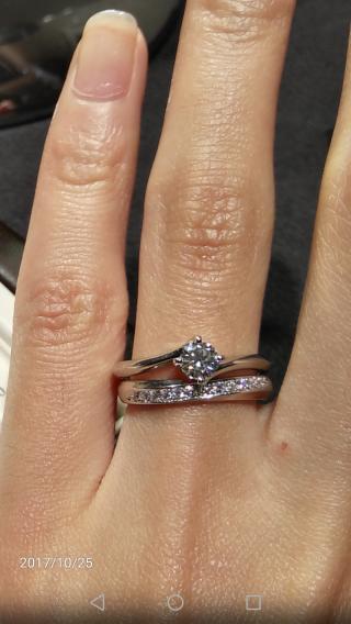 【俄(にわか)の口コミ】 婚約指輪を俄で頂いたので、結婚指輪も俄で見に行きました。俄では、セット…