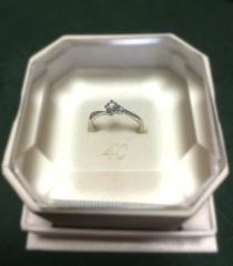 【4℃(ヨンドシー)の口コミ】 当初は指輪の下見のつもりだったのですが、こちらのデザインに一目惚れし…