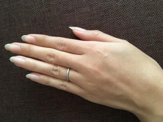 【カルティエ(Cartier)の口コミ】 結婚する前から、結婚指輪は「THE結婚指輪」というようなシンプルなデザイ…