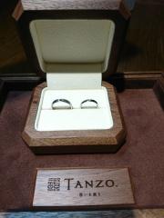 【TANZO(タンゾウ)の口コミ】 ブランド物には全く興味がなかったため、鍛造という作り方でできる指輪の強…