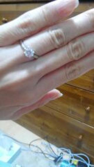 【宝寿堂(ほうじゅどう)の口コミ】 ダイアモンドの卸さんだけあって、豊富なダイアモンドのカラットや質から…