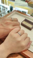 【アネリディギンザ(ANELLI DI GINZA)の口コミ】 シンプルながらも動きのあるデザインで、ダイヤも綺麗に配置されていました…