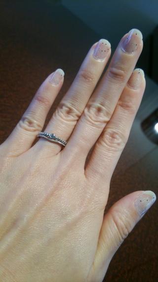 【JEWELRY  KAMATA(ジュエリーかまた)の口コミ】 細い指輪を重ね付けしたようなデザインがとてもおしゃれで気に入った。石…