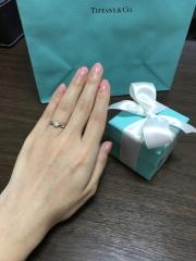 【ティファニー(Tiffany & Co.)の口コミ】 婚約指輪はカルティエとティファニーで探そうとしていて、私がティファニ…