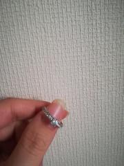 【ENUOVE(イノーヴェ)の口コミ】 ゼクシィを結婚前からみて、指輪のページは気に入ったものには付箋を貼っ…