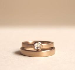 【mina.jewelry(ミナジュエリー)の口コミ】 はじめは、指輪のデザインが曖昧だった私たちの希望を見える形にサンプルで…