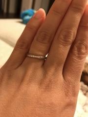 【4℃(ヨンドシー)の口コミ】 ダイヤがポイントで入っているところが気に入って購入しました。また、少…