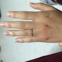 【カルティエ(Cartier)の口コミ】 プラチナリングを探していたので、婚約指輪と同じブランドのカルティエで揃…